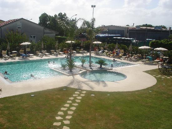 Magicomar Hotel: Piscina