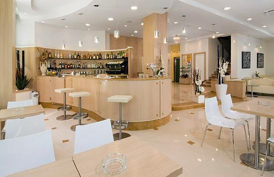 Misano Adriatico, Italië: Bar