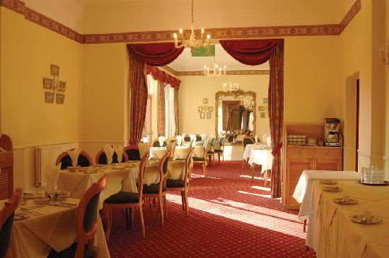 Ullswater Hotel: 2 chefs- 17 yrs and 7 yrs service ( 4 course dinner Menu)