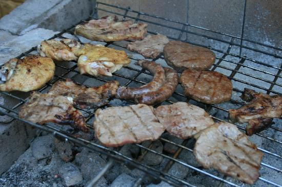 33 South Backpackers: It's Braai time