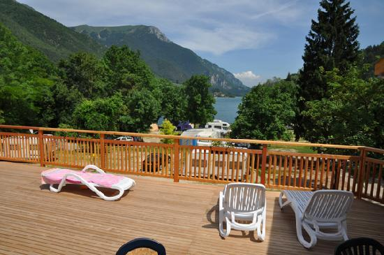 terrace of thelake view apartments in camping al lago
