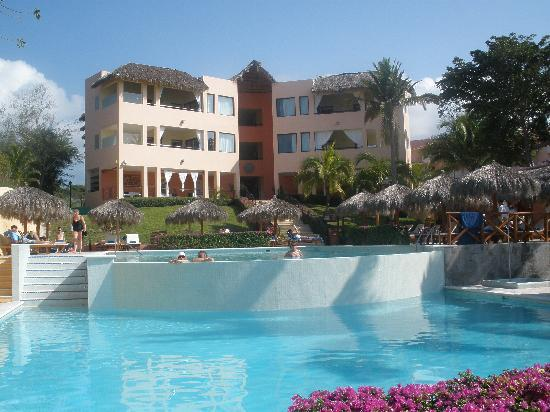 The Royal Suites Punta de Mita: Pools and hotel