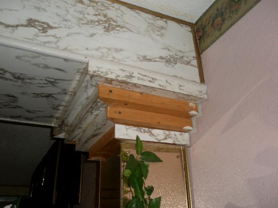 Hollywood Inn & Suites: other side of the previous molding