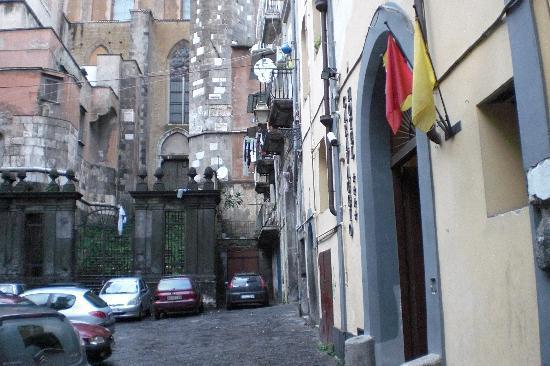 Caravaggio Hotel: Androne d'entrata