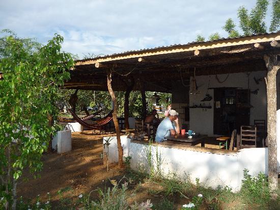 Hotel Hibiscus Garden: Restaurant/Bar/Breakfasts!