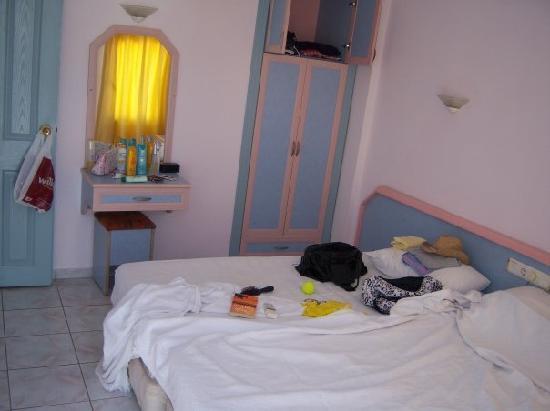 Ceylan Apart: Our bedroom