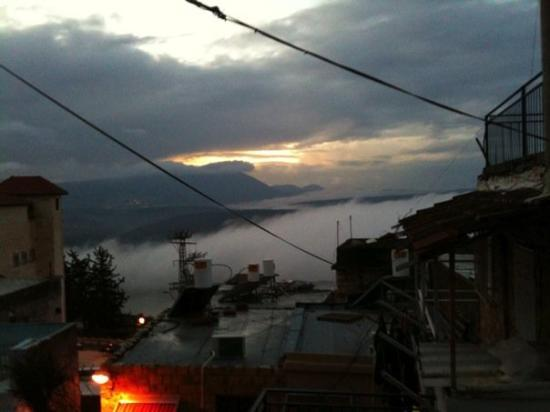 Safed, อิสราเอล: The view from my balcony. Mt. MERON in the MIST!!