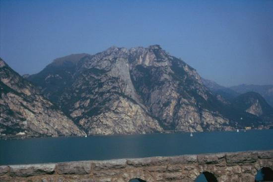 Torri del Benaco, Italia: op weg naar Torri