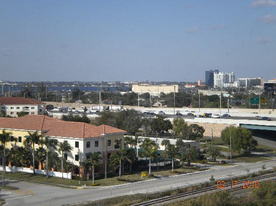 Holiday Inn Palm Beach-Airport Conference Center: View from Room
