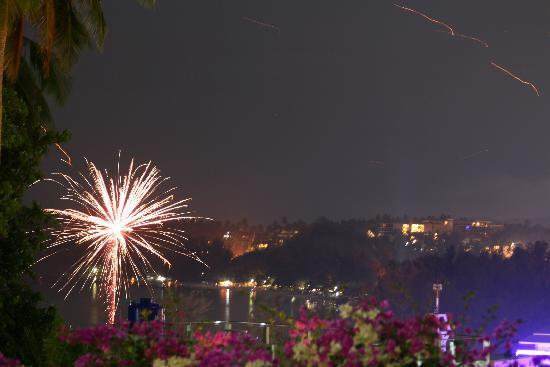 Sugar Palm Grand Hillside: View of NYE fireworks from our balcony
