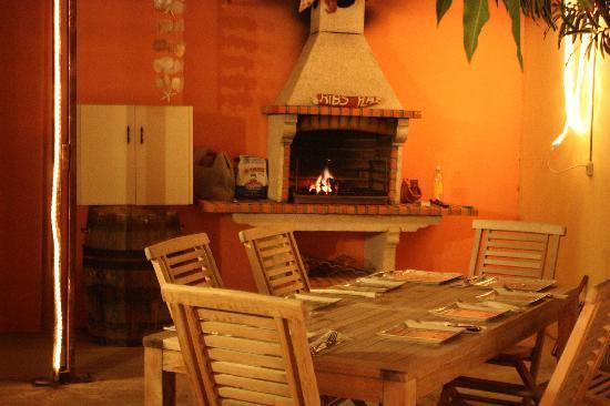Villa Punta Salina: Woodfire