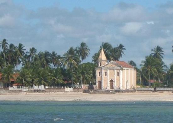 Tamandare, PE : 400 year old chapels