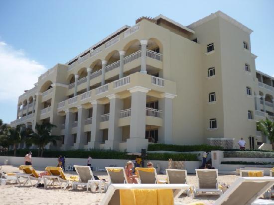 Iberostar Grand Hotel Rose Hall: room 5026 ground floor, far right corner room excellent view