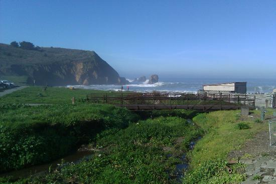 Holiday Inn Express Hotel & Suites Pacifica: View from deck off lobby