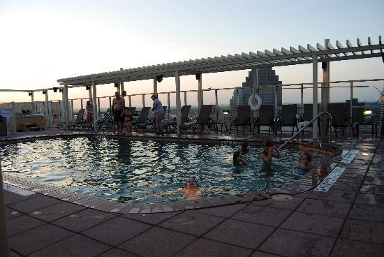 Drury Plaza Hotel San Antonio Riverwalk: Roof Top Pool