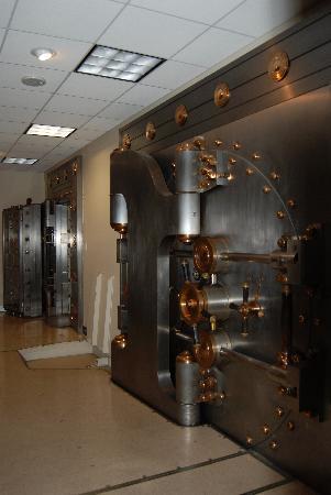 Drury Plaza Hotel San Antonio Riverwalk: Bank Vault