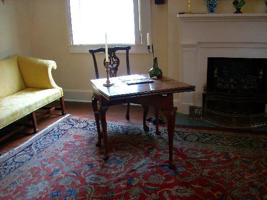 Conde-Charlotte Museum: Chippendale desk