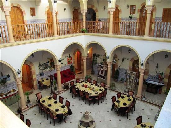 Zumit Hotel: Zumit courtyard