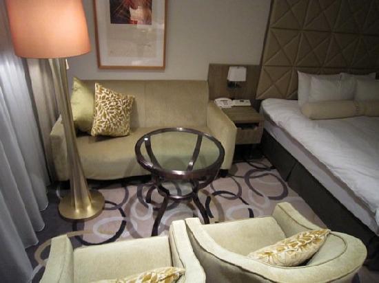 Hilton Tokyo Odaiba: Sitting area