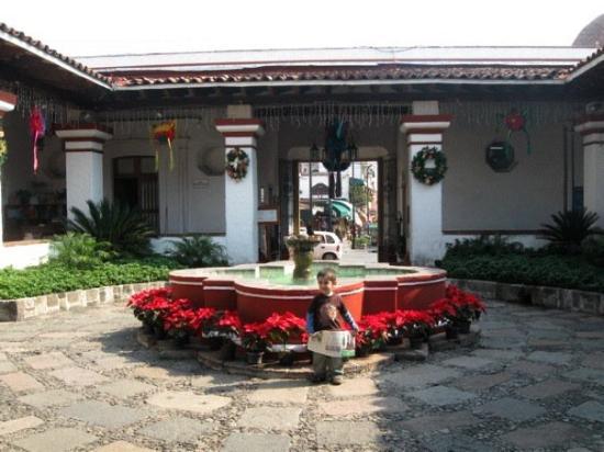 Garden borda cultural center cuernavaca all you need for Casa de jardin mobile home park