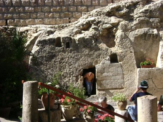 Gartengrab: The Garden Tomb  (a proposed alternate location for Jesus' grave)