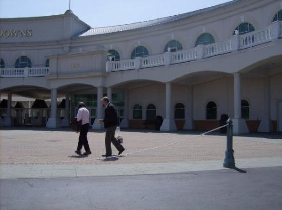 Churchill Downs: Whew. A look to the right.