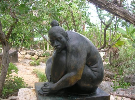 Statue at Yal-Ku Lagoon
