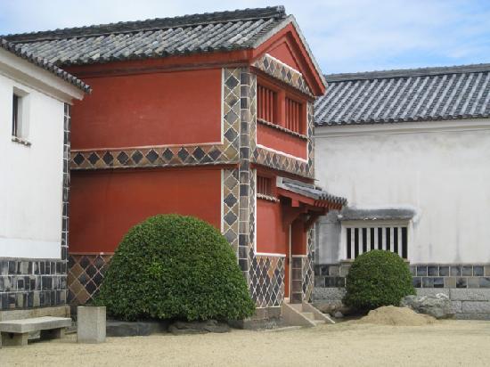 Ohara Museum of Art: 大原美術館内、赤壁の倉