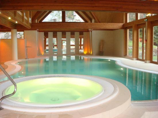 Le Clos des Sources: The swimming-pool