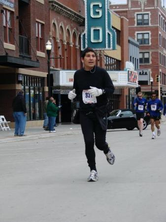 Fargo Marathon: Who can turn the world on with his smile?