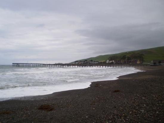 Cayucos, CA: The pier ...
