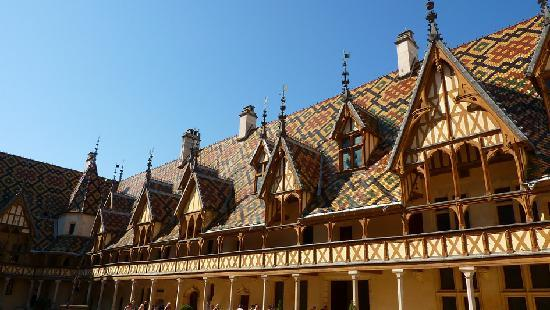 Authentica Tours : Hospice de Beaune tour Charm - www.authentica-tour.com