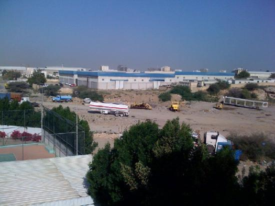 Hotel Al Madinah Holiday : View out of my room - 2