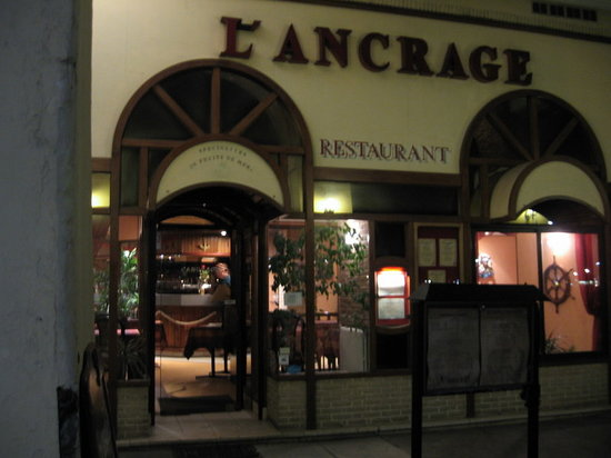 L'Ancrage: Entrance