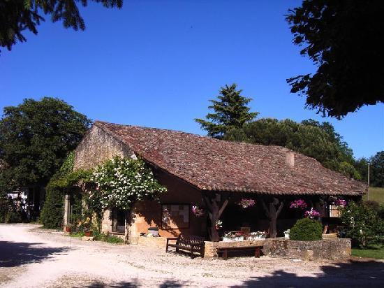 Domaine de Gavaudun : Barn (bar / lounge)