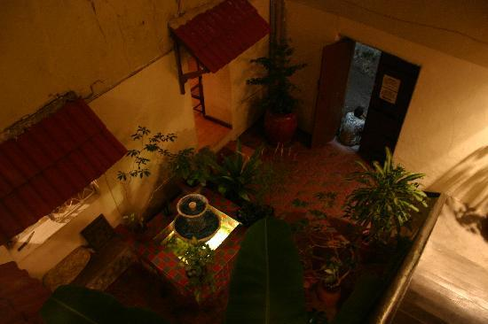 Malindi Guest House: The courtyard