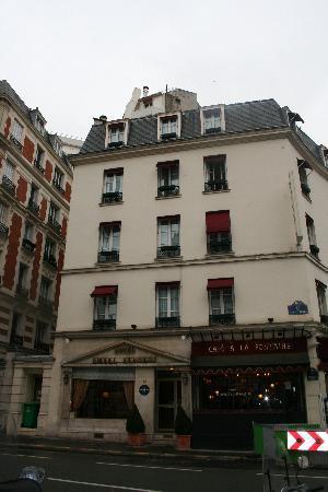 โรงแรมไอเฟลเคนเนดี้: Eiffel Kennedy