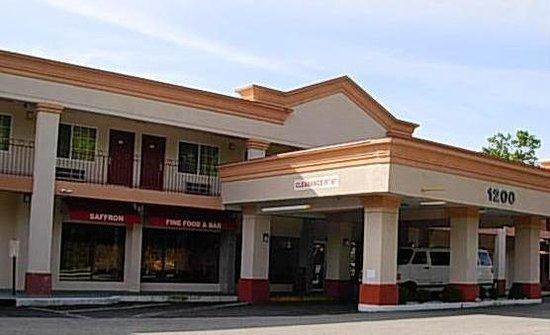 Rodeway Inn: Front