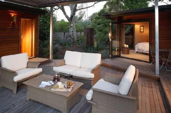 River Birches Lodge: Tranquility and harmony, deck at River Birches