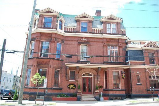 Saint John, Canada: 71 Sydney Street, All rooms $85-$115.00 year round!