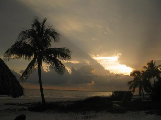 The Surf and Us South Shore Resort: sunset