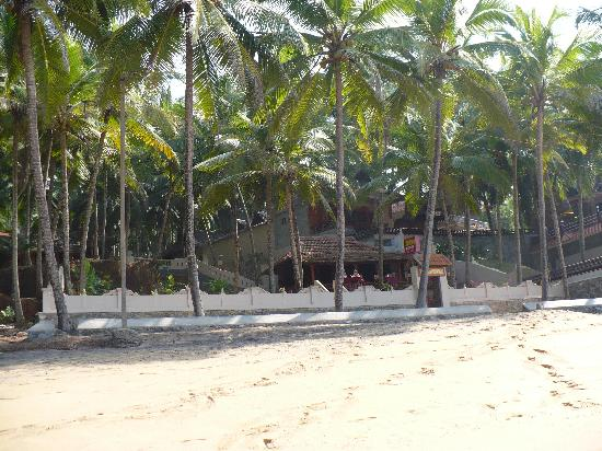 Kadaltheeram Beach Resort: A nice view of the restaurant ... Thank you Babu and Philip for your so nice hospitality!!!