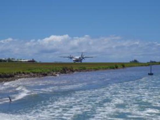 Le Taha'a Island Resort & Spa: Lancha que leva do aeroporto ao hotel