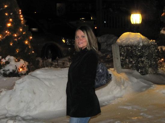 ذا هومستيد إن: Just outside Homestead Inn, Feb 2010