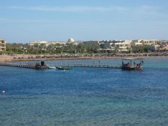 Jaz Dar El Madina : la baia vista da di fronte all'hotel