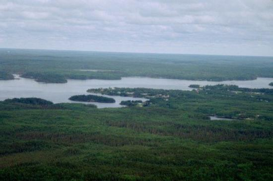 Pikangikum from the air ...