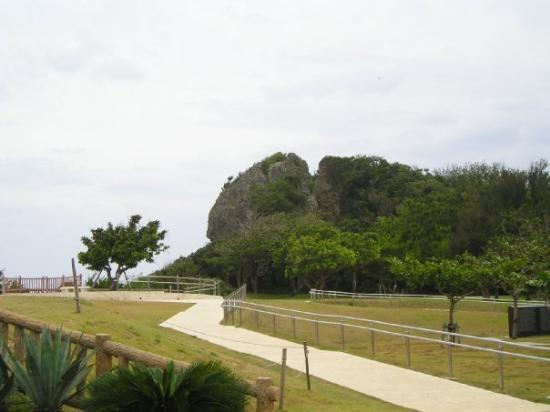 bridge at Peace Park - Foto de Okinawa Peace Memorial Park, Itoman - TripAdvisor