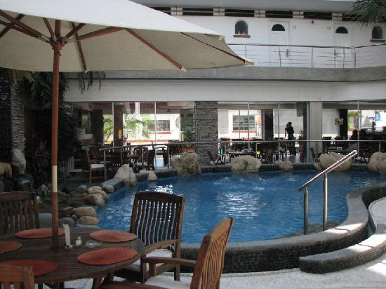 Hotel Rio Malecon Puerto Vallarta: Pool and the Café