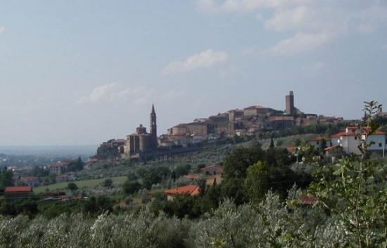 Castiglion Fiorentino, our home for the quarter.  An Etruscan beginning, with the old city built