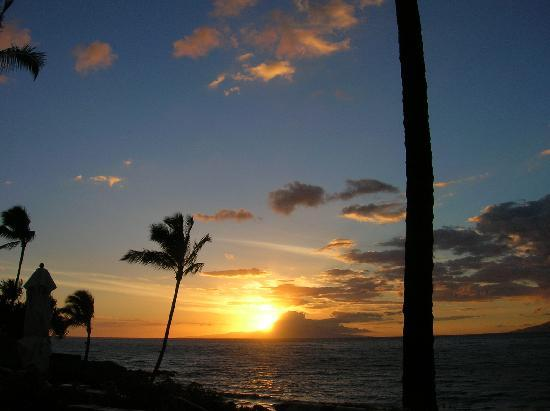 Four Seasons Resort Maui at Wailea: Every night